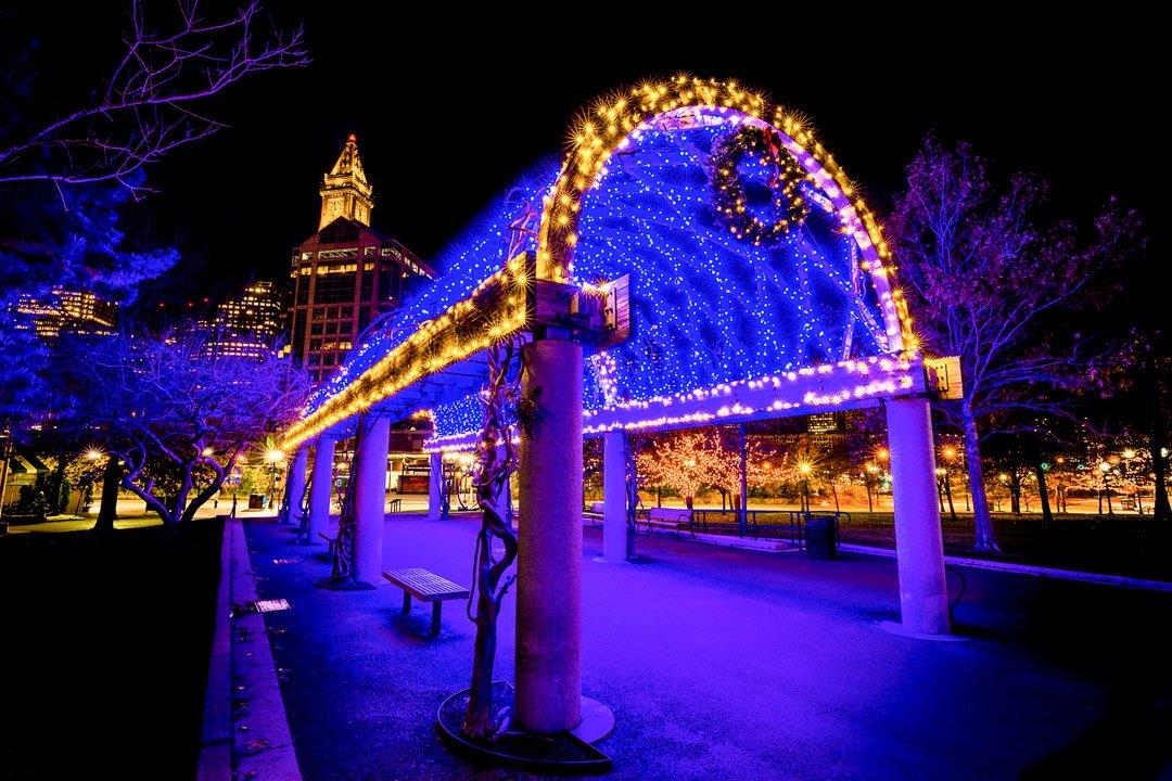 boston-christmas-holiday-night--trellis-night-snow-photo